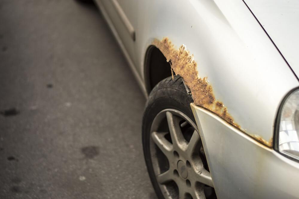 Astuces pour minimiser les risques d'apparition de la rouille sur une voiture