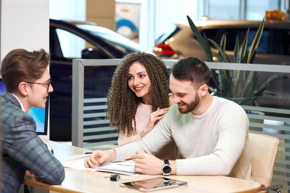 Achat de voiture : Payer cash ou demander un crédit ?