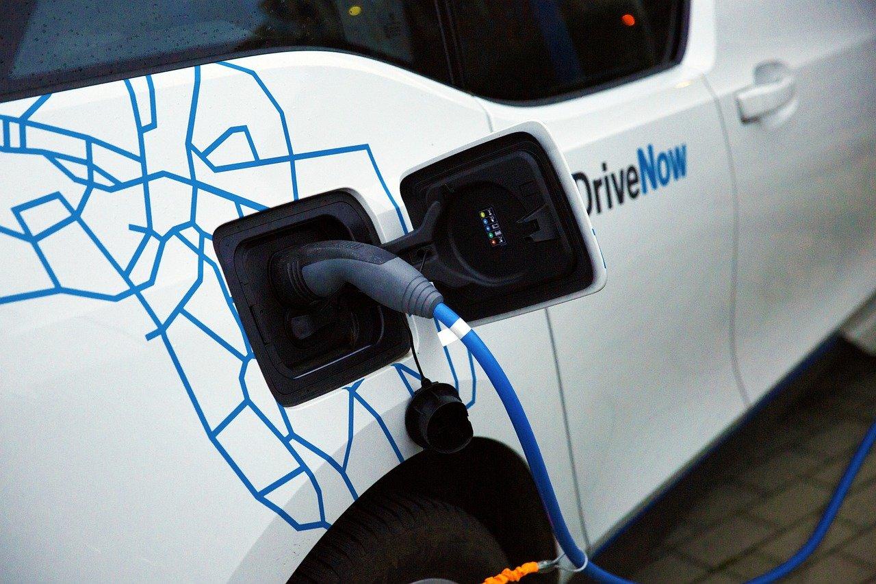 Ce qu'il faut savoir à propos d'une voiture hybride rechargeable